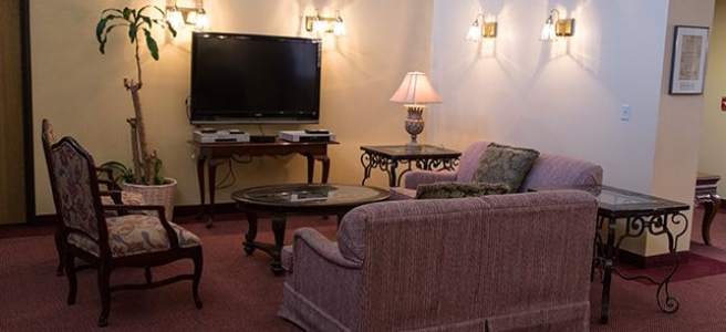 24232-Brookdale-Fort-Smith-Sitting-Area--656x300_c